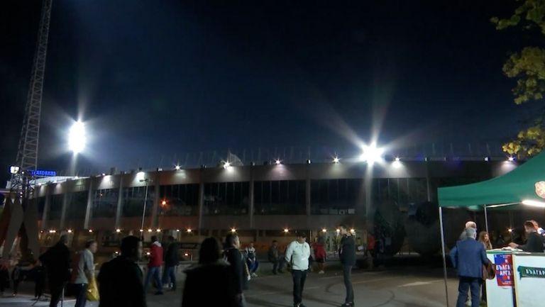 """Атмосферата около стадион """"Васил Левски"""" малко повече от час преди двубоя с Англия"""