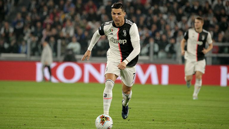 Роналдо с гол при победа на Ювентус