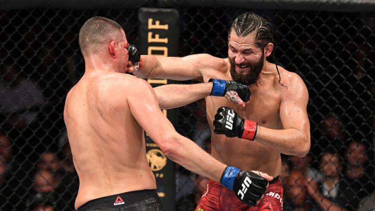 """Лекар развали страховитата битка за колана """"най-големия гадняр"""" на UFC 244"""
