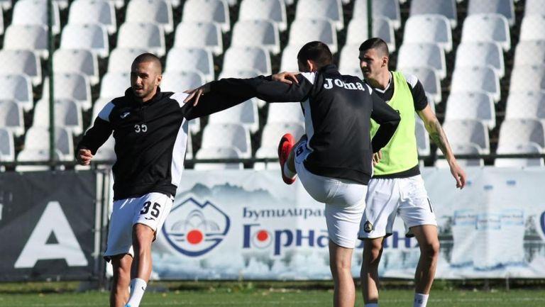 Славия ще се опита да продължи позитивната си серия срещу Локо Пд