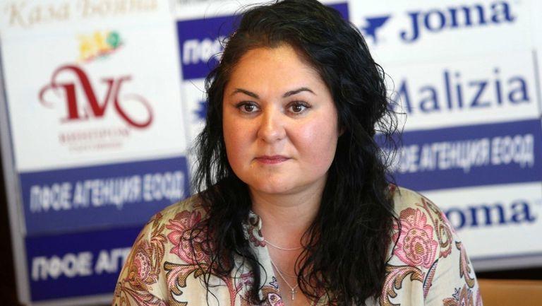 Шефката на Пирин Ива Уорън: Имаме бас в Благоевград, че ще изпреварим Левски с козирката