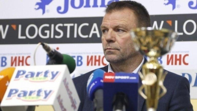 Стойчо Младенов: Нека Борисов и Кралев помогнат за професията футболен треньор