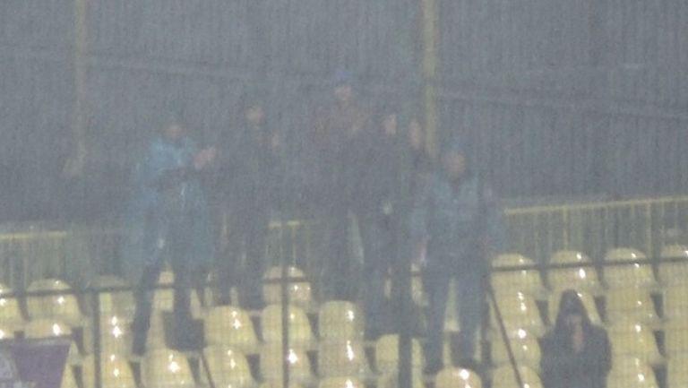 """Дъждът не изплаши няколко фена на Етър, за да подкрепят своите любимци в """"Коматево"""""""