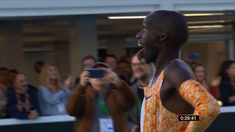 Бегач от Уганда подобри световния рекорд на 10 000 метра на шосе