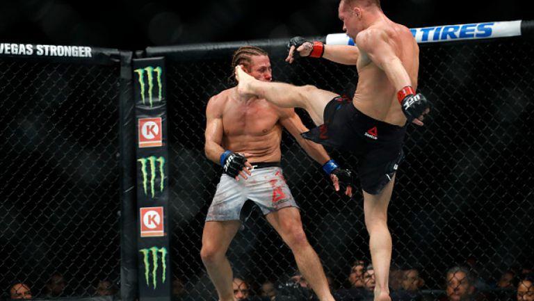 Пьотр Ян нокаутира Юрая Фейбър на UFC 245