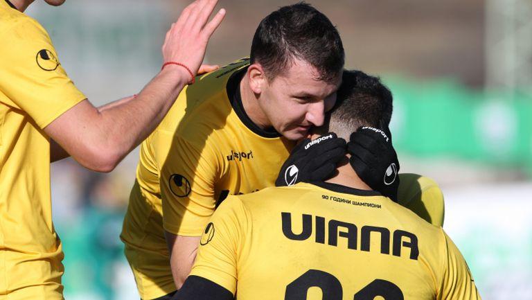 Виана довърши Витоша Бистрица с втори гол за Ботев