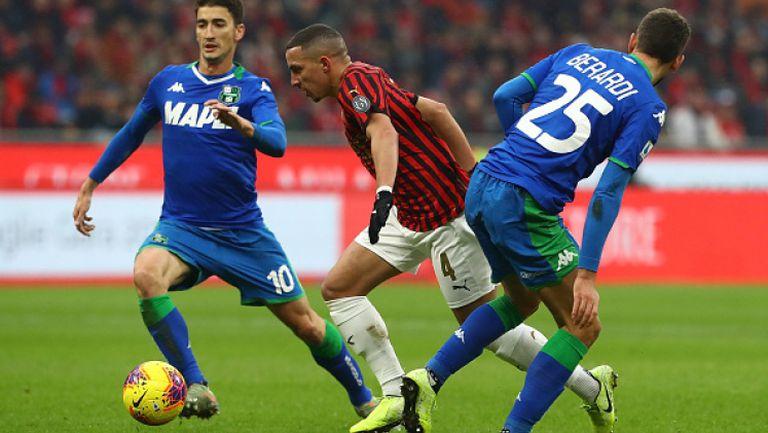 ВАР, вратар и две греди развалиха юбилея на Милан