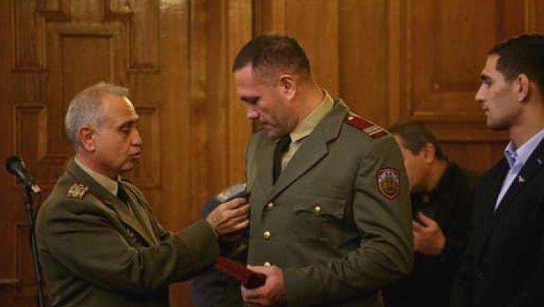 Кобрата стана офицер от резерва в Българската армия