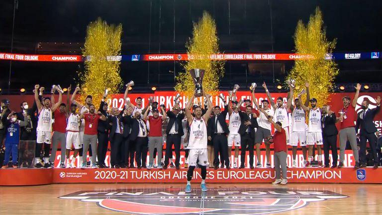Анадолу Ефес спечели баскетболната Евролига