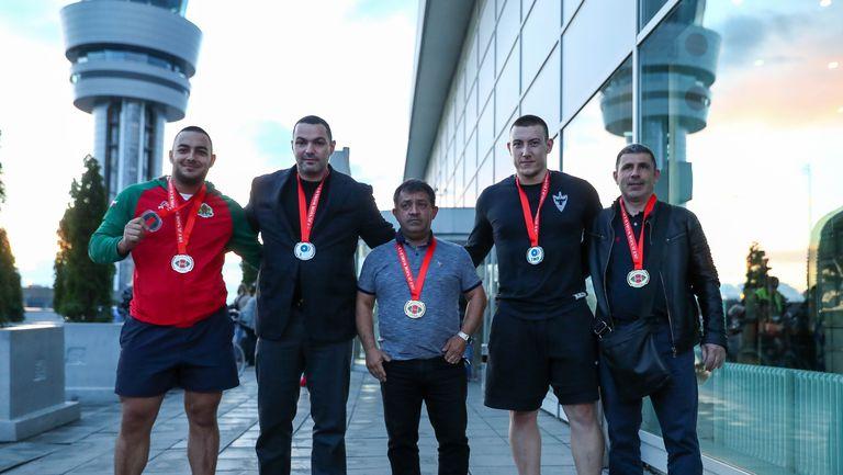 Световният шампион Христо Христов и световният вицешампион Васил Маринов се завръщат от щанги-първенството в Узбекистан