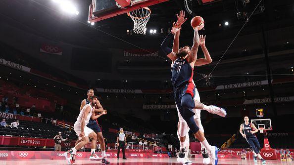 Франция победи Иран със 79:62 в баскетболния турнир при мъжете