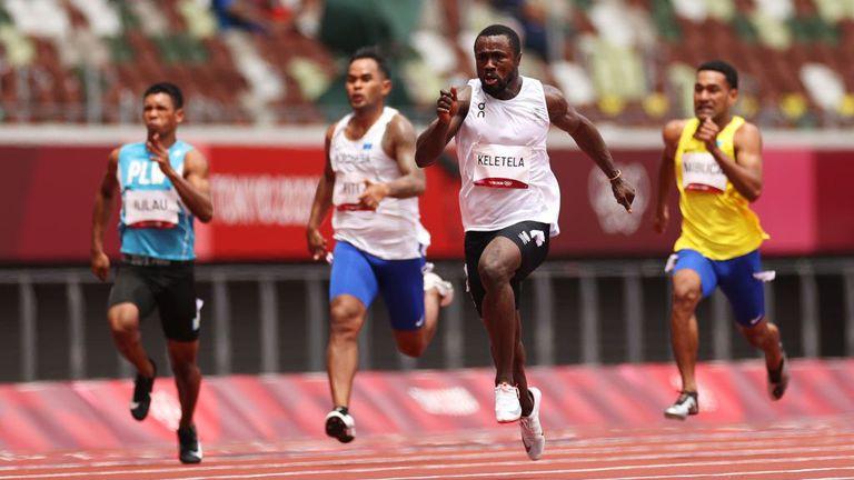 Бежанец преодоля предварителните серии в бягането на 100 метра