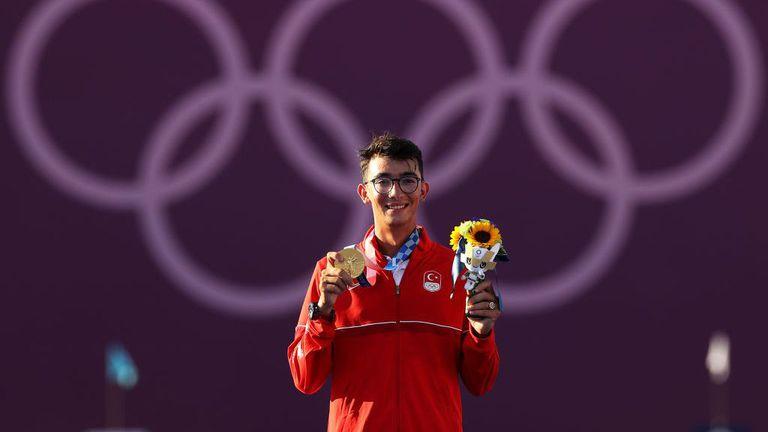 Стрелбата с лък излъчи първия златен медалист за Турция