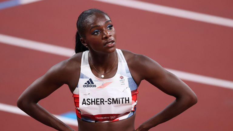 Контузия попречи на Ашър-Смит да достигне до финала на 100 метра