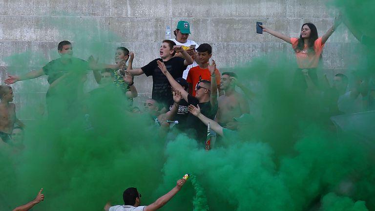 Феновете на Ботев Враца доволни след бързия гол във вратата на Левски