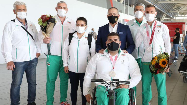 Медалистите от Параолимпиадата се завърнаха в България
